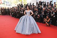 Aishwarya Rai Bachchan sur le tapis rouge pour la projection du film en competition OKJA lors du soixante-dixiËme (70Ëme) Festival du Film ‡ Cannes, Palais des Festivals et des Congres, Cannes, Sud de la France, vendredi 19 mai 2017. Philippe FARJON / VISUAL Press Agency