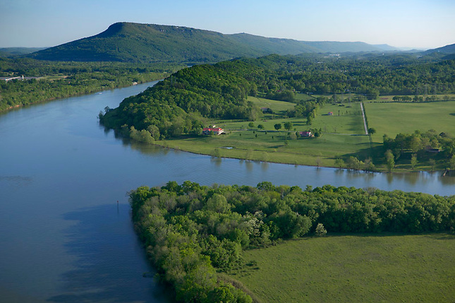 Tennessee River and Williams Island w/ Lookout Mtn in background