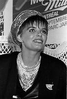 Diane Tell au Music Fest MILLER,<br /> le 1er septembre 1986, au Parc Jarry<br /> <br /> <br /> PHOTO : Pierre Roussel - Agence Quebec Presse