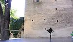 VOYAGE COLA..conception Alain Buffard..fabrication, interprétation Bouchra Ouizguen..Lieu: Le jardin de l'ancien Evéché..Ville : Uzès..Festival Uzes Danse 2011..le 22/06/2011..© Laurent Paillier / photosdedanse.com..All rights reserved