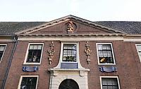 Nederland - Hoorn- 2020. Het Sint-Pietershof is een voormalig oudemannen- en vrouwenhuis in het centrum van de Noord-Hollandse stad Hoorn. Het complex omvat een hoofdgebouw en een hofje. Zowel het hoofdgebouw als het hofje is nog altijd in gebruik als wooncomplex voor ouderen, maar nu voor ouderen die zelfstandig kunnen wonen     Foto ANP / HH / Berlinda van Dam