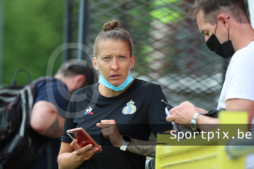 Team manager Annelies Menten pictured before a preseason friendly soccer game between Tempo Overijse and Royale Union Saint-Gilloise, Saturday 29th of June 2021 in Overijse, Belgium. Photo: SPORTPIX.BE | SEVIL OKTEM