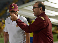 IBAGUÉ - COLOMBIA, 11-08-2017: Jose Eugenio 'Cheche' Hernandez técnico del Deportes Tolima gesticula durante partido con Atlético Huila por la fecha 7 de la Liga Águila II 2017 jugado en el estadio Manuel Murillo Toro de Ibagué. / Jose Eugenio 'Cheche' Hernandez coach of Deportes Tolima gestures during match against Atletico Huila for date 7 of the Aguila League II 2017 played at Manuel Murillo Toro stadium in Ibague city. Photo: VizzorImage / Juan Carlos Escobar / Cont