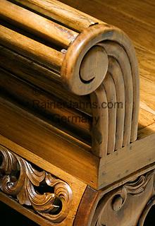 MUS, Mauritius, Grand Port, bei Mahébourg, Shandrani Hotel - Holzbank | MUS, Mauritius, Grand Port, near Mahébourg, Shandrani Hotel - wooden bench