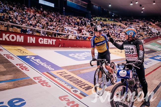 Mark Cavendish (GBR) wins his derny race of the day behind derny rider Michel Vaarten<br /> <br /> zesdaagse Gent 2019 - 2019 Ghent 6 (BEL)<br /> day 2<br /> <br /> ©kramon