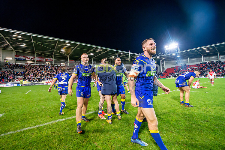 Picture by Allan McKenzie/SWpix.com - 04/10/2018 - Rugby League - Betfred Super League - The Super 8's - St Helens v Warrington Wolves - The Totally Wicked Stadium, Langtree Park, St Helens, England - Warrington celebrate victory over St Helens to head to the Super League Grand Final.