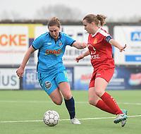 20180414 - DIKSMUIDE , BELGIUM : Diksmuide Merkem's Laura Delheye (L) and Kontich's Stefanie Van Broeck (R) pictured during a soccer match between the women teams of Famkes Westhoek Diksmuide Merkem and KFC Kontch  , during the 22th matchday in the 2017-2018  Eerste klasse - First Division season, Saturday 14 April 2018 . PHOTO SPORTPIX.BE | DIRK VUYLSTEKE