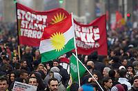 Demonstration fuer die Aufhebung des PKK-Verbot.<br />Ca. 8.000 bis 10.000 Menschen demonstrierten am Samstag den 16. November 2013 in Berlin fuer eine Aufhebung des PKK-Verbots. Die kurdische Arbeiterpartei ist seit November 1993 in Deutschland verboten. Sie tritt fuer eine unabhaengiges Kurdistan ein und nach PKK-Angaben sollen mehr als 10.000 Menschen sollen bewaffnet fuer dieses Ziel in der Grenzregion Tuerkei/Irak/Syrien/Iran vorhanden sein. Die tuerkische Regierung bekaempft die PKK seit ihrer Gruendung militaerisch, ohne jedoch die Region befrieden zu koennen. Allen militaerischen Einsaetzen des tuerkischen Militaers und Verlusten auf Seiten der PKK zum Trotz, nahm die Zahl an aktiven Kaempfern und die Unterstuetzung für die PKK in der Bevoelkerung stetig zu. <br />Entgegen einer Entscheidung des Bundesgerichtshof im Jahre 2004 wird die Organisation von den deutschen Behoerden weiterhin als terroristische und kriminelle Vereinigung bezeichnet.<br />Seit laengerer Zeit ist die PKK mit der tuerkischen Regierung in Verhandlungen ueber einen dauerhaften Frieden. Die Demonstration forderte die Bundesregierung auf, diesen Friedensprozess mit einer Legalisierung der PKK zu unterstuetzen.<br />16.11.2013, Berlin<br />Copyright: Christian-Ditsch.de<br />[Inhaltsveraendernde Manipulation des Fotos nur nach ausdruecklicher Genehmigung des Fotografen. Vereinbarungen ueber Abtretung von Persoenlichkeitsrechten/Model Release der abgebildeten Person/Personen liegen nicht vor. NO MODEL RELEASE! Don't publish without copyright Christian Ditsch/version-foto.de, Veroeffentlichung nur mit Fotografennennung, sowie gegen Honorar, MwSt. und Beleg. Konto:, I N G - D i B a, IBAN DE58500105175400192269, BIC INGDDEFFXXX, Kontakt: post@christian-ditsch.de.<br />Urhebervermerk wird gemaess Paragraph 13 UHG verlangt.]