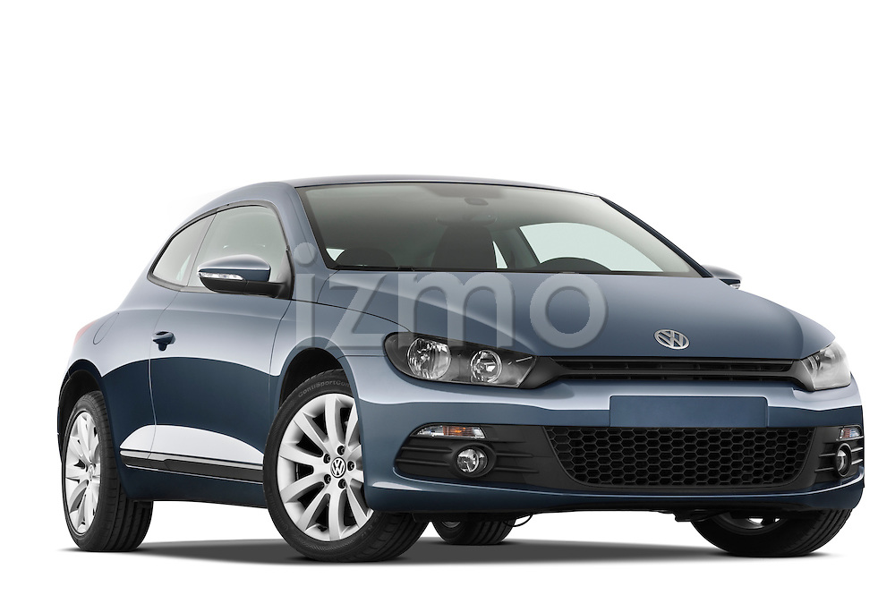 Low aggressive passenger side front three quarter view of a 2009 Volkswagen Scirocco.