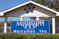 "Sign reading "" Mississippi Welcomes You"