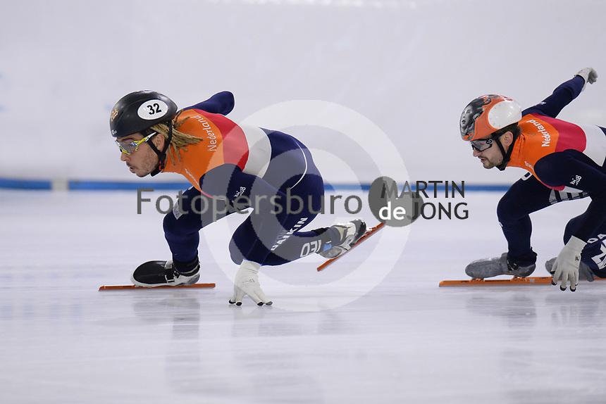 SCHAATSEN: HEERENVEEN, 02-09-2020, IJsstadion Thialf, KNSB Topsporttraining, Shorttrack, Dylan Hoogewerf, Itzhak de Laat, ©foto Martin de Jong