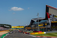 18th July 2021; Silverstone Circuit, Silverstone, Northamptonshire, England; Formula One British Grand Prix, Race Day; The teams prepare the grid for the arrival of the cars