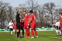 Schiedsrichter Bojan Pandzic zieht Gelb-Rot für Erhan Masovic (Serbien) - 25.03.2017: U19 Deutschland vs. Serbien, Sportpark Kelsterbach