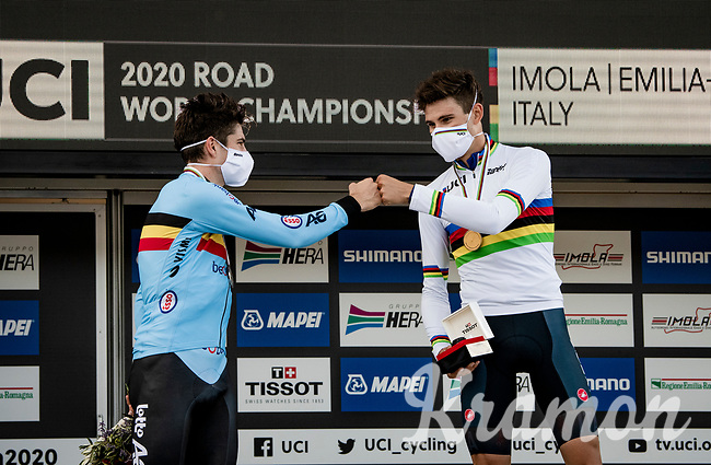 Filippo Ganna (ITA/Ineos-Grenadiers) is crowned the new Men's TT World Champion, while Wout van Aert (BEL/Jumbo - Visma) takes silver<br /> <br /> Men's Elite Time trial from Imola to Imola (31.7km)<br /> <br /> 87th UCI Road World Championships 2020 - ITT (WC)<br /> <br /> ©kramon