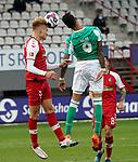 17.10.2020, Schwarzwald Stadion, Freiburg, GER, 1.FBL, SC Freiburg vs SV Werder Bremen<br /> <br /> im Bild / picture shows<br /> Philipp Lienhart (Freiburg), Davie Selke (Bremen)<br /> <br /> Foto © nordphoto / Bratic<br /> <br /> DFL REGULATIONS PROHIBIT ANY USE OF PHOTOGRAPHS AS IMAGE SEQUENCES AND/OR QUASI-VIDEO.