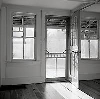 Sunlight through front door<br />