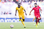 Awer Mabil of Australia (L) fights for the ball with Baha Abdelrahman of Jordan (R) during the AFC Asian Cup UAE 2019 Group B match between Australia (AUS) and Jordan (JOR) at Hazza Bin Zayed Stadium on 06 January 2019 in Al Ain, United Arab Emirates. Photo by Marcio Rodrigo Machado / Power Sport Images