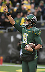 during the first quarter of the NCAA college football game on Saturday, Nov. 22, 2014, in Eugene, Ore. (AP Photo/Steve Dykes)