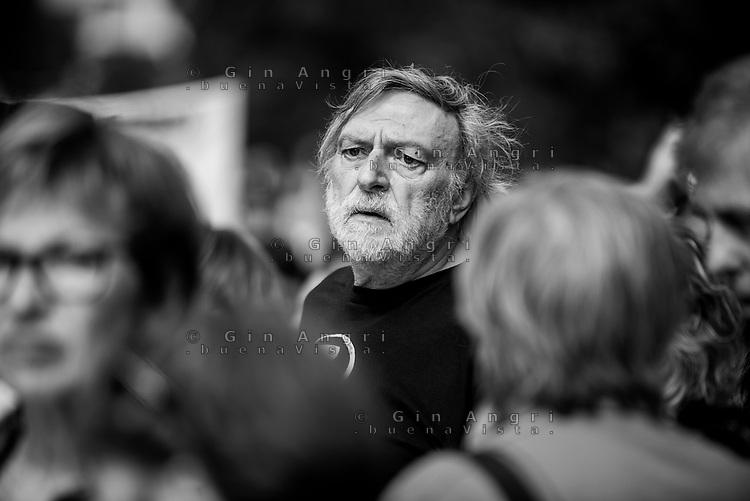 manifestazione contro il razzismo Milano 20 maggio2017, insieme senza muri, Gino Strada