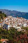 Spain, Andalusia, Province Málaga, Algatocin: pueblo blanco at Sierra Bermeja mountains | Spanien, Andalusien, Provinz Málaga, Algatocin: weisses Dorf am Fusse der Sierra Bermeja