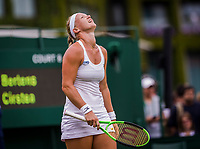 London, England, 4 th July, 2017, Tennis,  Wimbledon, Kiki Bertens (NED) is frustrated<br /> Photo: Henk Koster/tennisimages.com