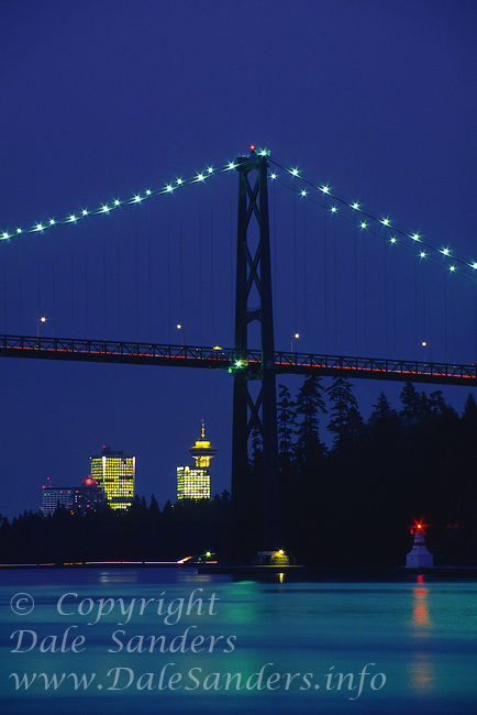 Lions Gate Bridge at dusk, Vancouver, British Columbia, Canada.
