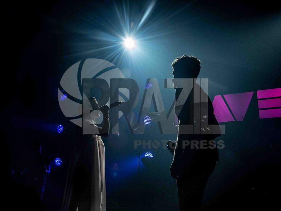 """SÃO PAULO, SP. 31.03.2019 - SHOW-SP - A cantora Manu GAvassi faz participação especial no show de  Jão durante o festival """"NAVE - O Festival das Anavitórias"""", no Espaço das Américas, em São Paulo, neste domingo, 31. (Foto: Bruna Grassi / Brazil Photo Press)"""