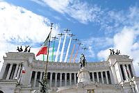 Roma, 2 Giugno 2016<br /> Le Frecce tricolori sul Vittoriano.<br /> Celebrazioni e parata militare per il 70°anniversario della Repubblica italiana.<br /> Rome, June 2, 2016<br /> Celebration and military parade for the 70th anniversary of the Italian Republic