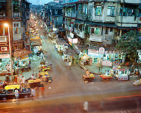 Traffic, street vendors and crowds in a Muslim quarter of the city centre near Mohammed Ali Road. CHECK with MRM/FNA