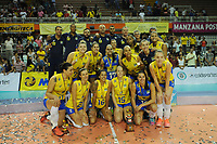 CALI -COLOMBIA-19-08-2017. Jugadoras de Brasil posan como campeonas despues del partido de final entre Colombia (COL) y Brasil (BRA) del Campeonato Sudamericano de Voleibol Femenino realizado en el Coliseo Evangelista Mora en la ciudad de Cali, Colombia. / Players of Brazil pose as champions after the match between Colombia (COL) and Brazil (BRA) play the final of the Women's South American Volleyball Championship, Cali 2017 that be held at Evangelista Mora Coliseum in Cali,  Colombia.  Photo: VizzorImage / Nelson Rios / Cont