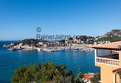 Spanien, Mallorca, Port de Soller: Kuestenort mit Yachthafen, hier ist die Endstation der Straßenbahnverbindung von Sóller nach Port de Sóller | Spain, Mallorca, Port de Soller: touristy harbour with marina, final tram stop from Sóller to Port de Sóller