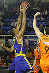 Montakit Fuenlabrada's Blagota Sekulic (r) and Herbalife Gran Canaria's Richard Hendrix during Eurocup, Top 16, Round 2 match. January 10, 2017. (ALTERPHOTOS/Acero)
