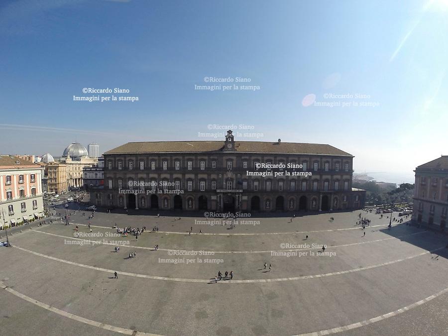 - NAPOLI 21 MAR  2014 - Piazza del Plebiscito