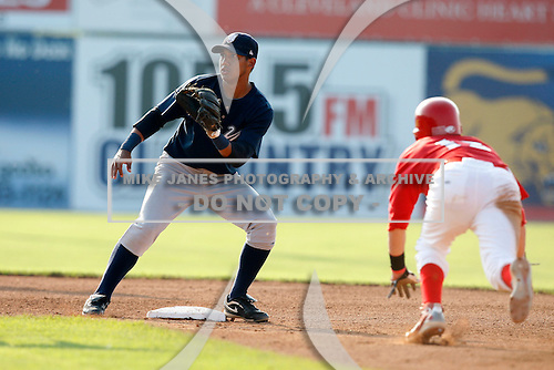 August 16, 2009:  Second Baseman Emerson Landoni of the Staten Island Yankees during a game at Dwyer Stadium in Batavia, NY.  Staten Island is the Short-Season Class-A affiliate of the New York Yankees.  Photo By Mike Janes/Four Seam Images