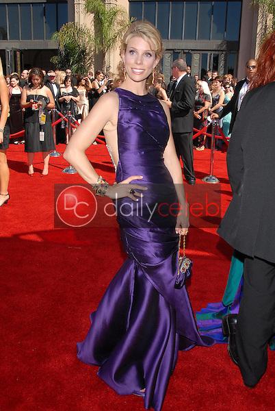 Cheryl Hines<br />arriving at the 58th Annual Primetime Emmy Awards. The Shrine Auditorium, Los Angeles, CA. 08-27-06<br />Scott Kirkland/DailyCeleb.com 818-249-4998