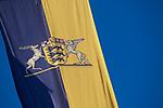 Europa, DEU, Deutschland, Baden-Wuerttemberg, Stuttgart, Landesdienstflagge des Landes Baden-Wuerttemberg, Großes Landeswappen mit Hirsch und Greif, <br /> <br /> [Fuer die Nutzung gelten die jeweils gueltigen Allgemeinen Liefer-und Geschaeftsbedingungen. Nutzung nur gegen Verwendungsmeldung und Nachweis. Download der AGB unter http://www.image-box.com oder werden auf Anfrage zugesendet. Freigabe ist vorher erforderlich. Jede Nutzung des Fotos ist honorarpflichtig gemaess derzeit gueltiger MFM Liste - Kontakt, Uwe Schmid-Fotografie, Duisburg, Tel. (+49).2065.677997, ..archiv@image-box.com, www.image-box.com]