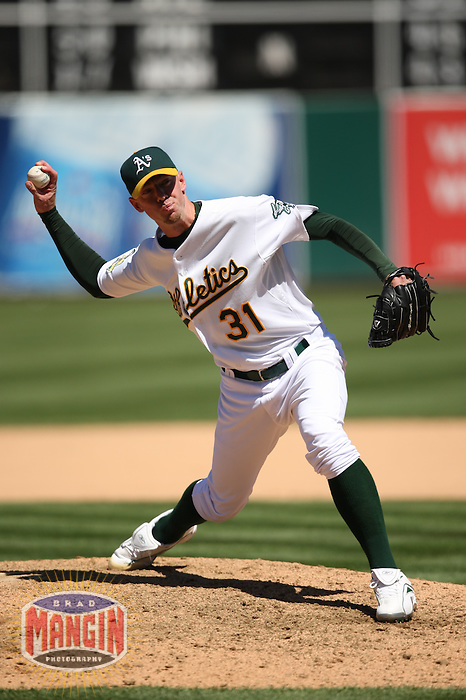 OAKLAND, CA - JULY 30:  Brad Ziegler of the Oakland Athletics pitches during the game against the Kansas City Royals at the McAfee Coliseum in Oakland, California on July 30, 2008.  The Royals defeated the Athletics 4-3.  Photo by Brad Mangin