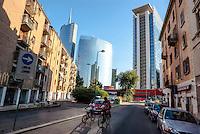 Milano, quartiere Isola. Veduta verso i grattacieli in zona Garibaldi - Porta Nuova --- Milan, Isola district. View towards the skyscrapers of Garibaldi - Porta Nuova district