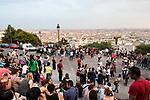 Europa, Frankreich, France, Paris, Montmartre, Sacre Coeur Suare Louise Michel Garten Terassen, 07.09.2014