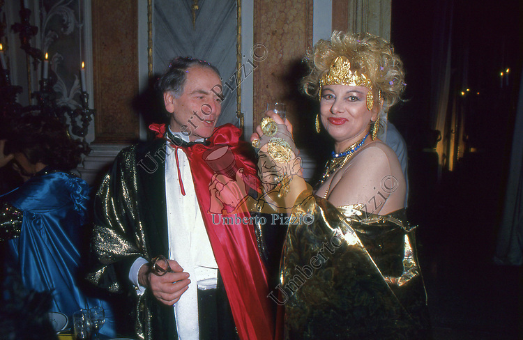PIERRE CARDIN CON SANDRA MILO -  FESTA COVERI PALAZZO PISANI MORETTA VENEZIA 1985