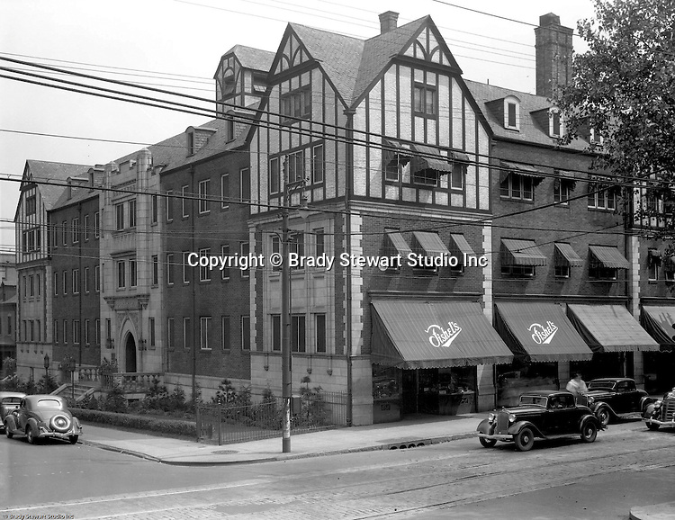 Pittsburgh PA:  View of Fishel's Store in Shadyside.