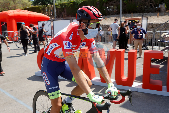 New race leader Odd Christian Eiking (NOR) Intermarché-Wanty-Gobert Matériaux arrives at sign on before the start of Stage 11 of La Vuelta d'Espana 2021, running 133.6km from Antequera to Valdepeñas de Jaén, Spain. 25th August 2021.     <br /> Picture: Luis Angel Gomez/Photogomezsport | Cyclefile<br /> <br /> All photos usage must carry mandatory copyright credit (© Cyclefile | Luis Angel Gomez/Photogomezsport)