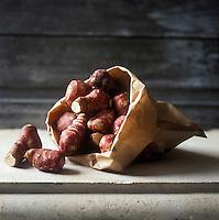 Gastronomie Générale: Topinambour- Stylisme : Valérie LHOMME