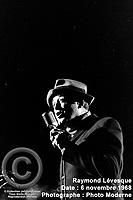 Sujet : Raymond Lévesque<br /> Date : 6 novembre 1968<br /> Photographe : Photo Moderne<br /> Collection : Jocelyn Paquet<br /> Numéro : DSC27406<br /> Historique de diffusion: