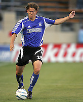 18 June 2005:  Kelly Gray of Earthquakes in action against Real Salt Lake at Spartan Stadium in San Jose, California.    Earthquakes defeated Real Salt Lake, 3-0.   Mandatory Credit: Michael Pimentel / ISI