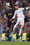 Sergio Ramos of Real Madrid (R) fights for the ball with Harry Kane of Tottenham Hotspur FC (L) during the UEFA Champions League 2017-18 match between Real Madrid and Tottenham Hotspur FC at Estadio Santiago Bernabeu on 17 October 2017 in Madrid, Spain. Photo by Diego Gonzalez / Power Sport Images