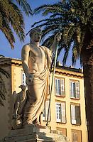 Europe/France/Corse/2B/Haute-Corse/Cap Corse/Bastia: Place Saint-Nicolas - La statue de Napoléon en empereur romain