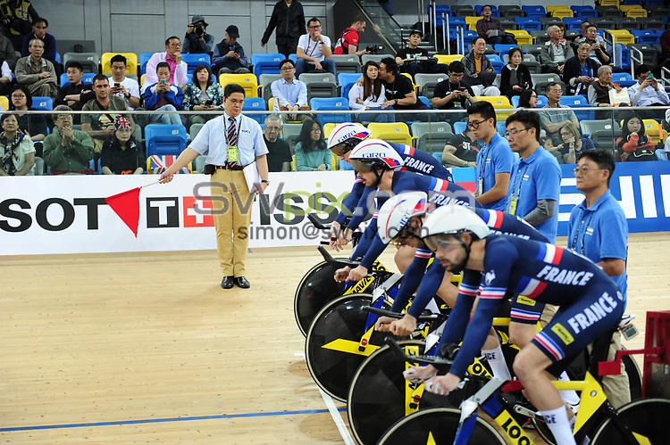 Picture by Simon Wilkinson/SWpix.com 09/08/2017 - Cycling UCI Commissaire Guide re edited from UCI Track World Cup Hong Kong China 16/04 2017 April 2017 - Commissares in action working