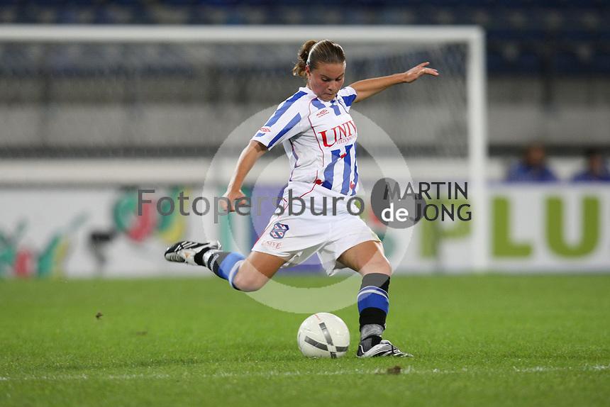 VOETBAL: HEERENVEEN: 2007, SC Heerenveen damesvoetbal, Sherida Spitse, ©foto Martin de Jong