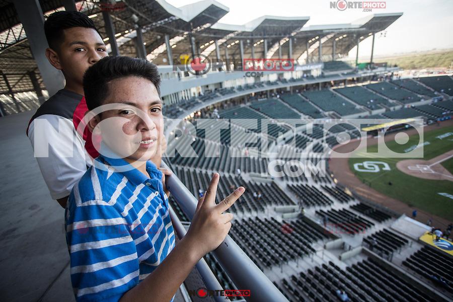 Panorámica del estadio, gradas y campo de beisbol, durante el juego de Inauguracion del nuevo estadio de Yaquis de Ciudad Obregon, con el partido de beisbol ante Naranjeros de Hermosillo. Temporada Potosinos de la Liga Mexicana del Pacifico 2016 2017 <br /> © Foto: LuisGutierrez/NORTEPHOTO.COM